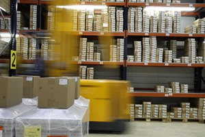 warehouse associate image